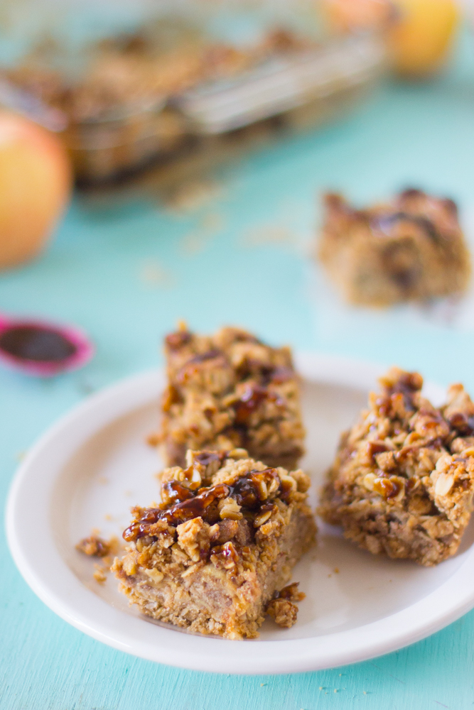 Vegan-Salted-Caramel-Apple-Oatmeal-Bars-4.jpg