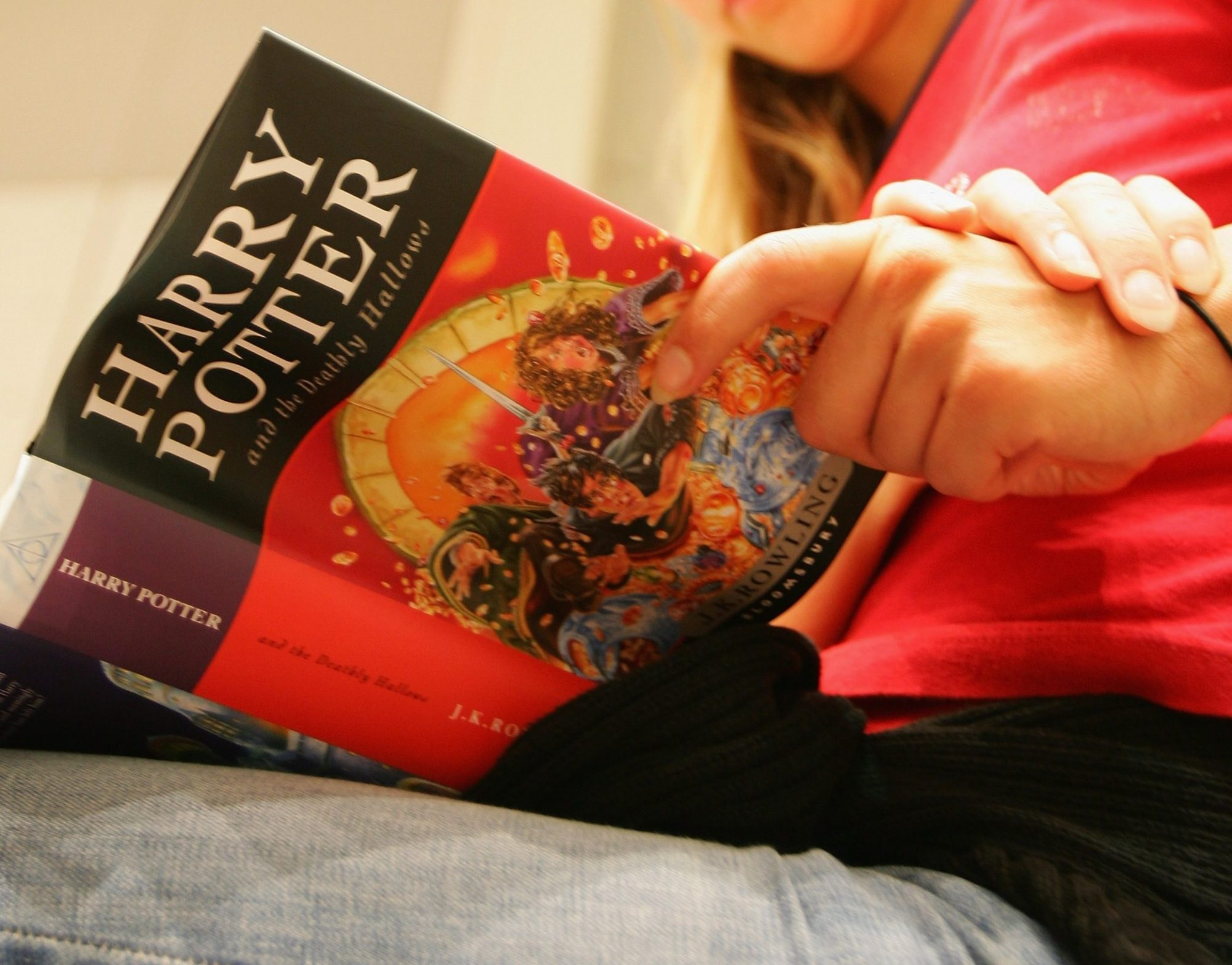 """Final """"Harry Potter"""" Book Goes On Sale"""