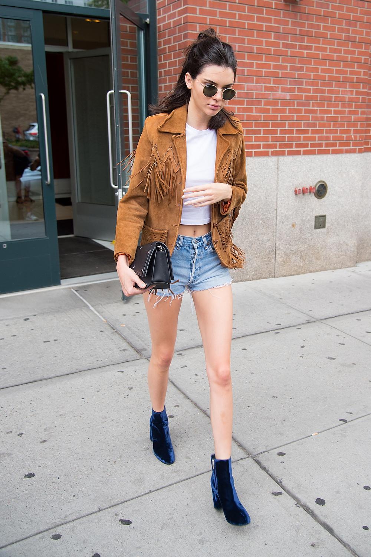 Kendall-Jenner-velvet-boots-cred.-Michael-Stewart-Getty-Images.jpg