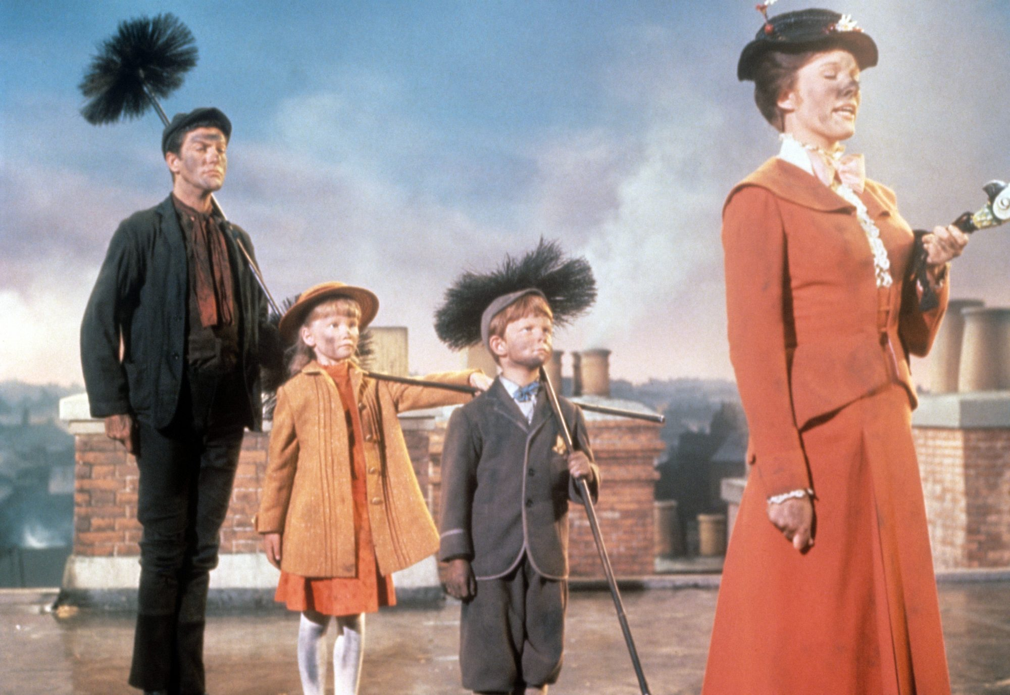 Julie Andrews In The Role Of Mary Poppins With Karen Dotrice, Matthew Garber And Dick Van Dyke