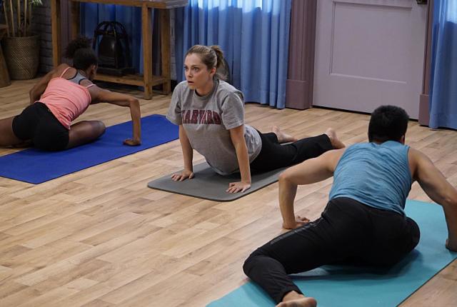 learning-yoga-crazy-ex-girlfriend