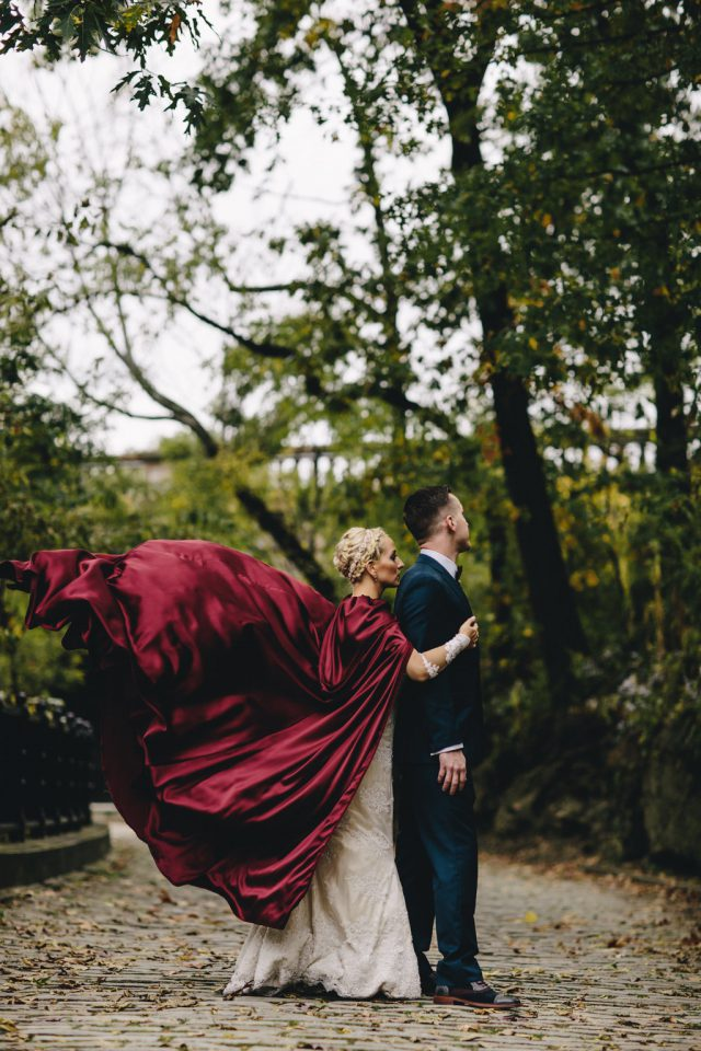 The-Bride-in-a-the-Red-Cape-21-640x960.jpg