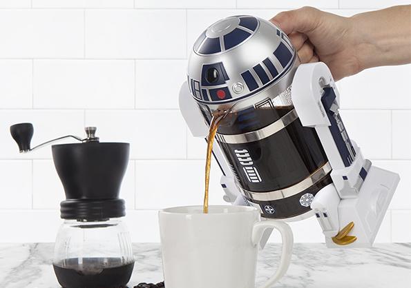 itns_r2-d2_coffee_press_pour-1