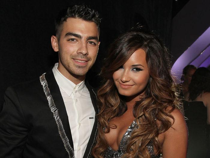 Joe-Jonas-x-Demi-Lovato-700x525