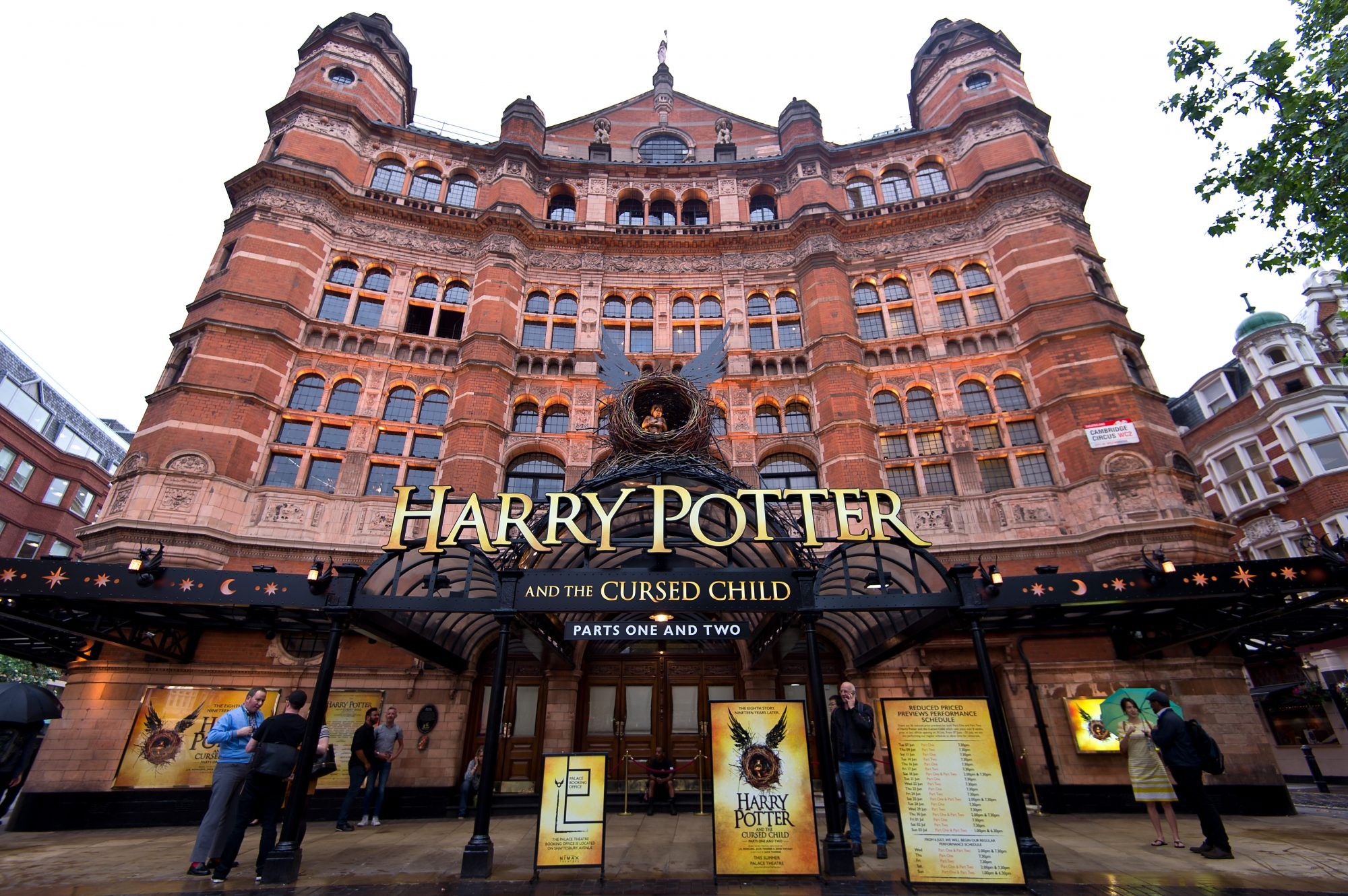 """Previews Start For """"Harry Potter and the Cursed Child"""""""