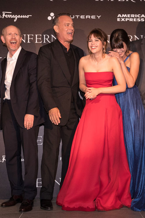 inferno-premiere-cast-laughing.jpg