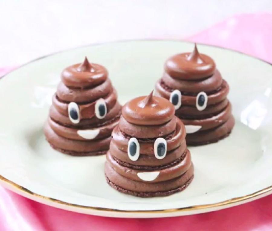 poop-emoji-macarons