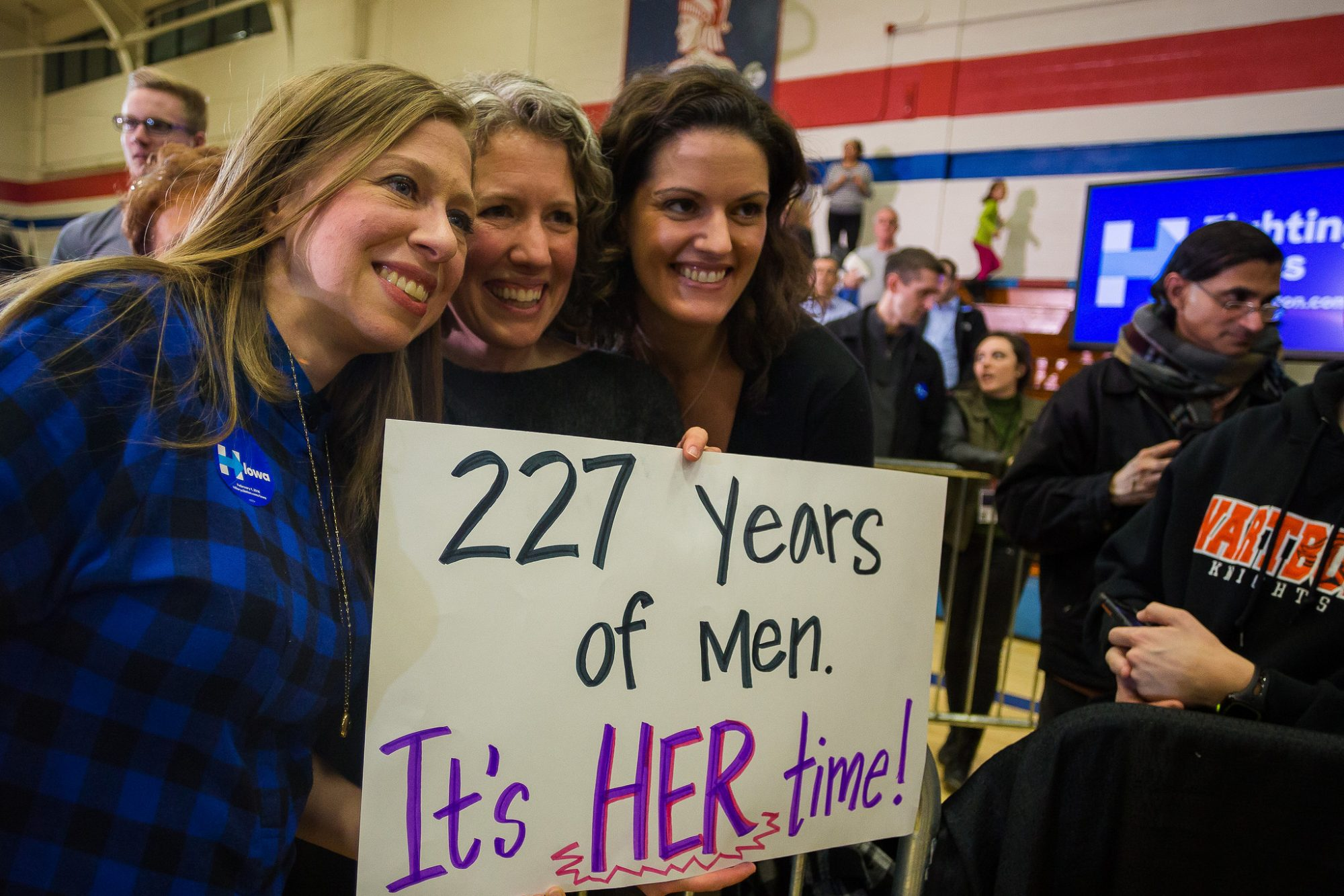 picture-of-chelsea-with-voters-photo.jpg