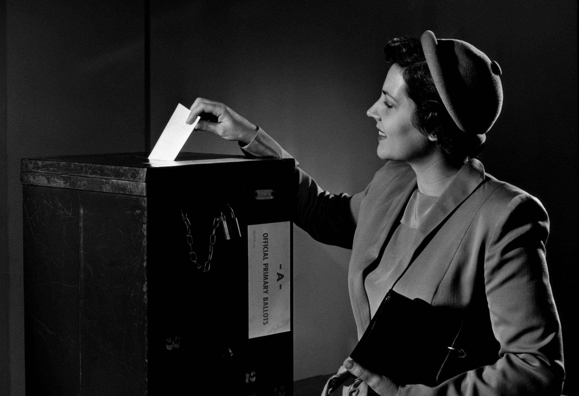 WOMAN VOTING IN THE 1950S