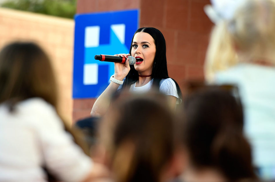 Katy Perry Campaigns For Hillary Clinton And Promotes Early Voting In Nevada
