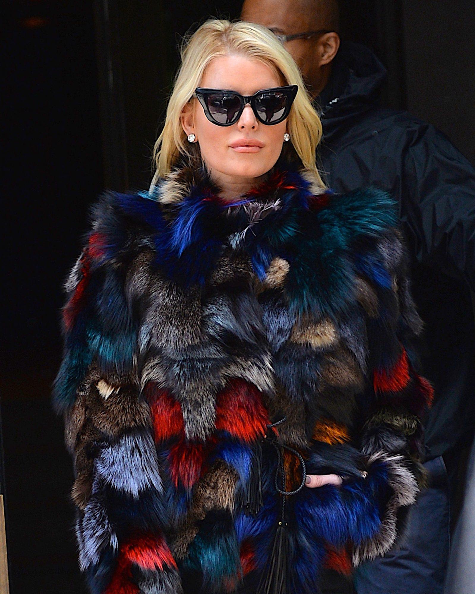Jessica-Simpson-coat.jpg