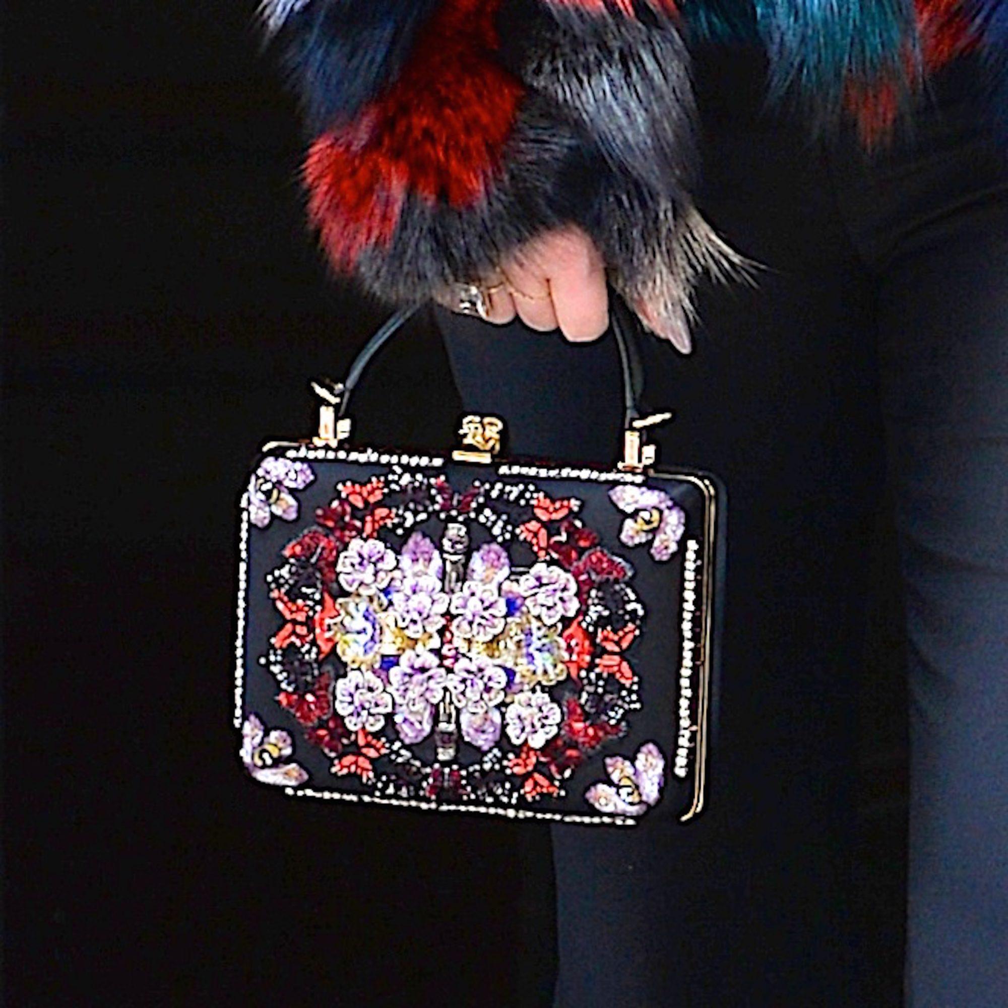 Jessica-Simpson-purse.jpg
