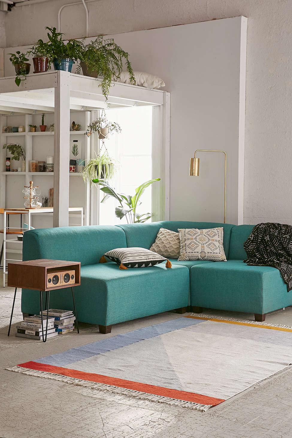 Sofa-UO-.jpg