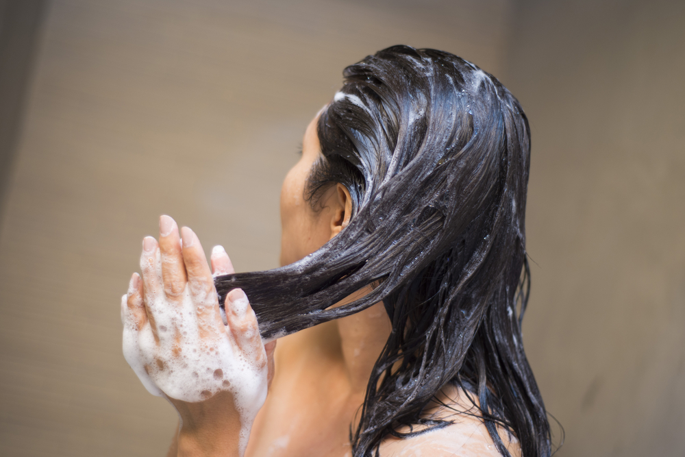 right way to wash your hair