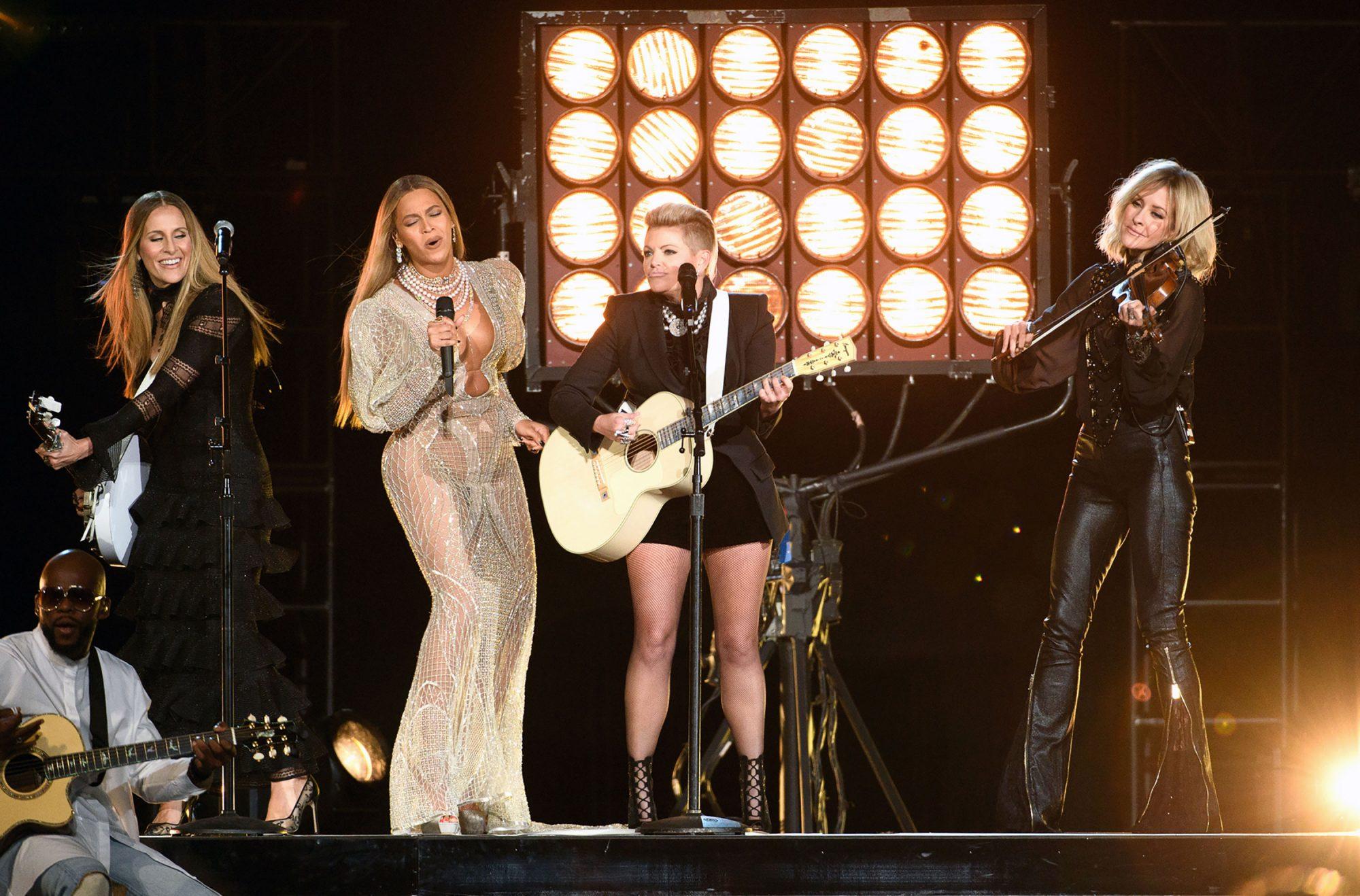 Beyonce-CMA-awards.jpg
