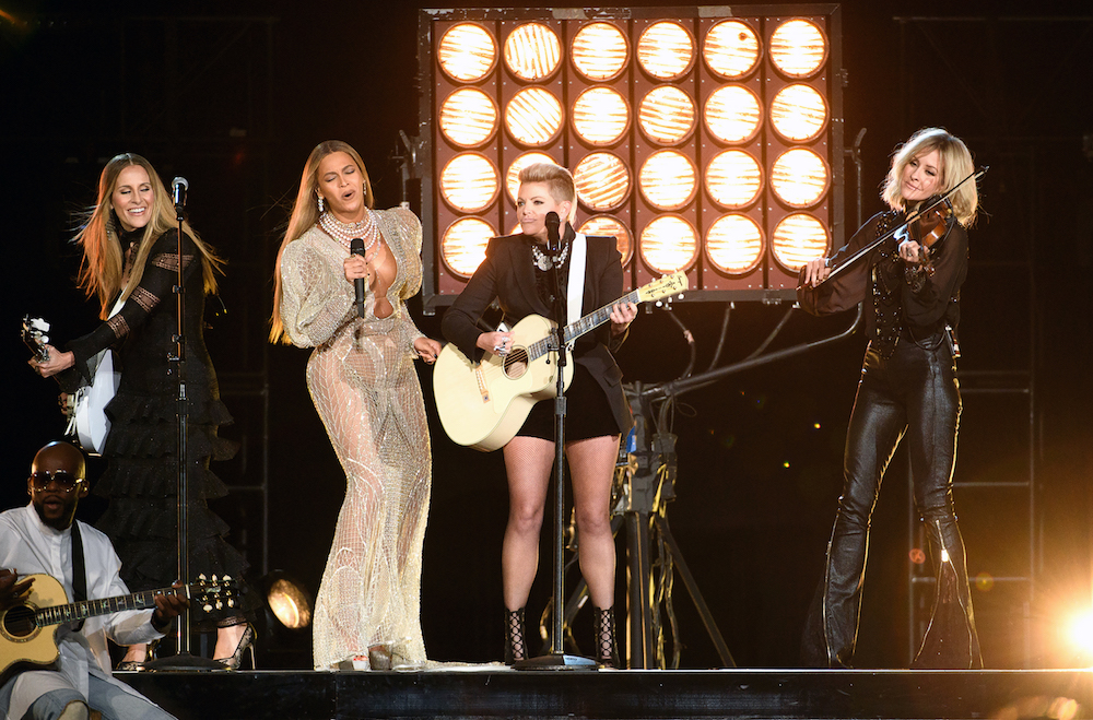 Beyonce-and-The-Dixie-Chicks.jpg