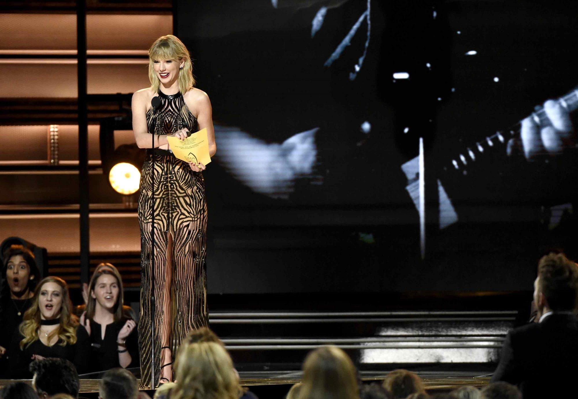 Taylor-Swift-1.jpg
