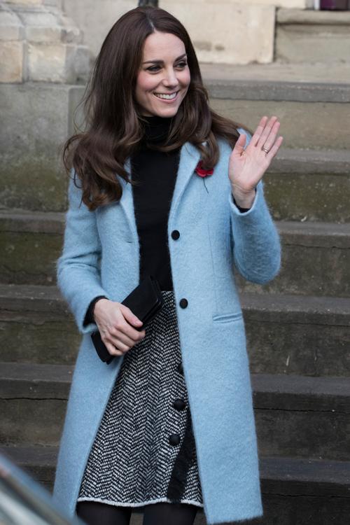 kate-middleton-blue-coat.jpg