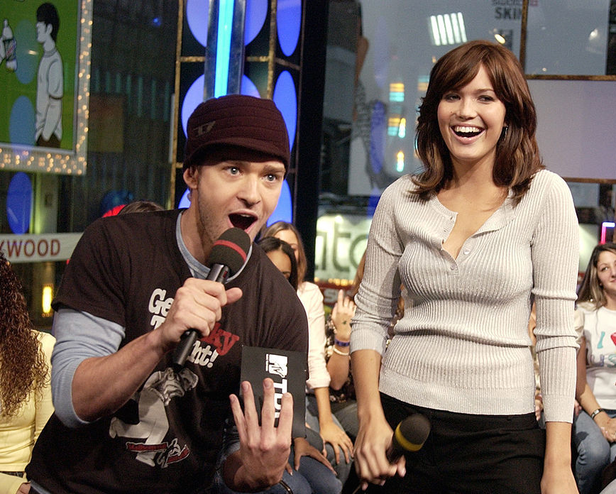 """Justin Timberlake and Mandy Moore Visit MTV's """"TRL"""" - October 21, 2003"""