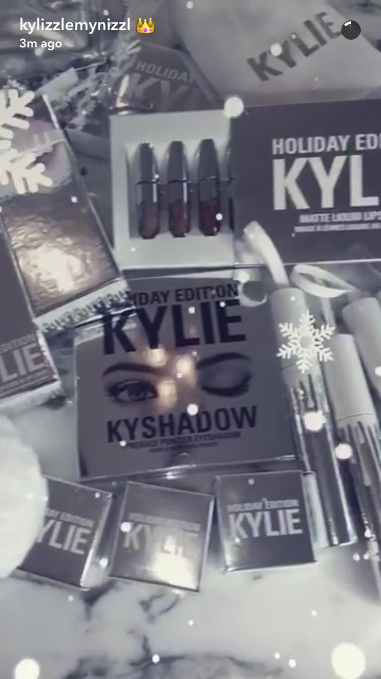 Kylie-Kollection-Holiday.jpg