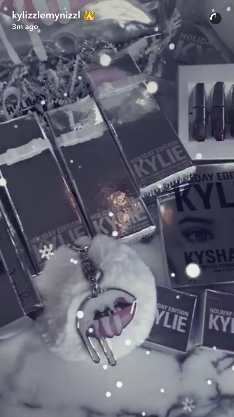 Kylie-merch.jpg