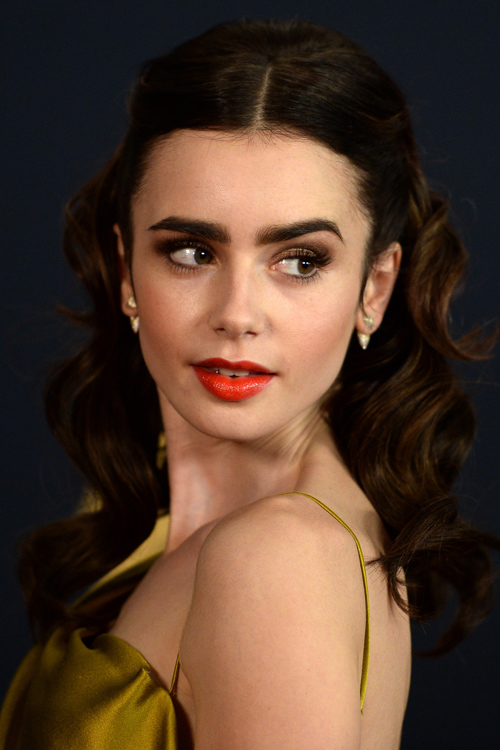 lily-collins-close-up.jpg