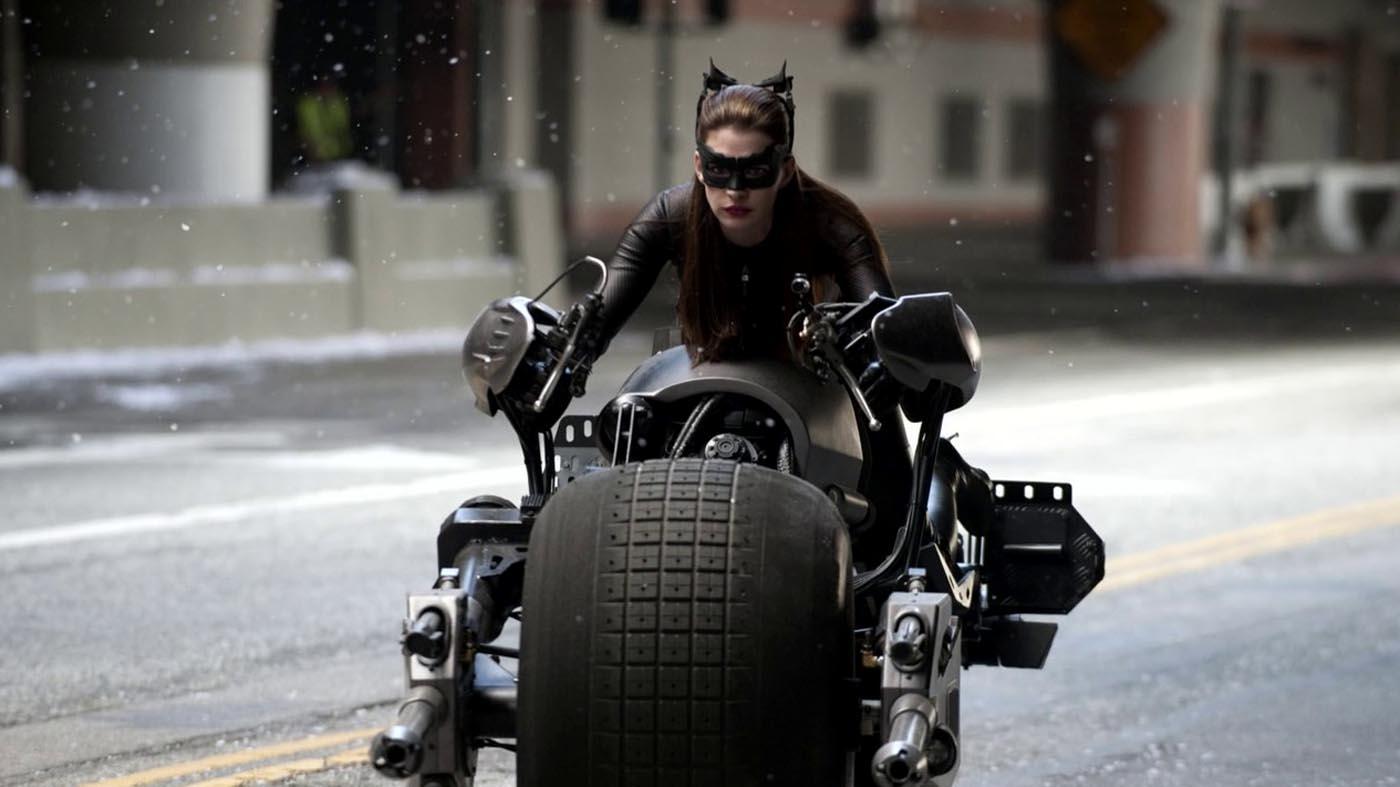 anne-hathaway-catwoman-3.jpg