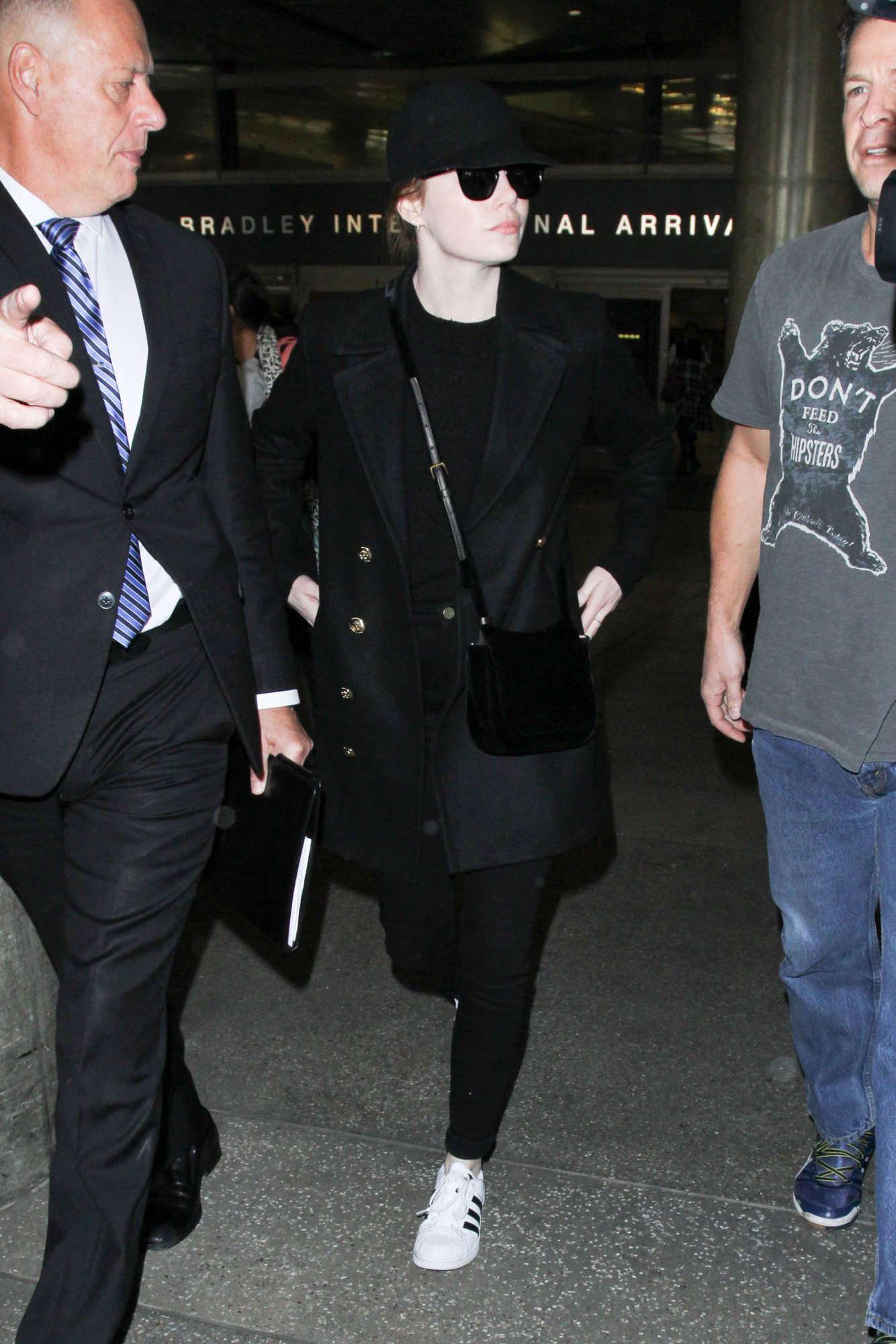 Emma-Stone-walking.jpg