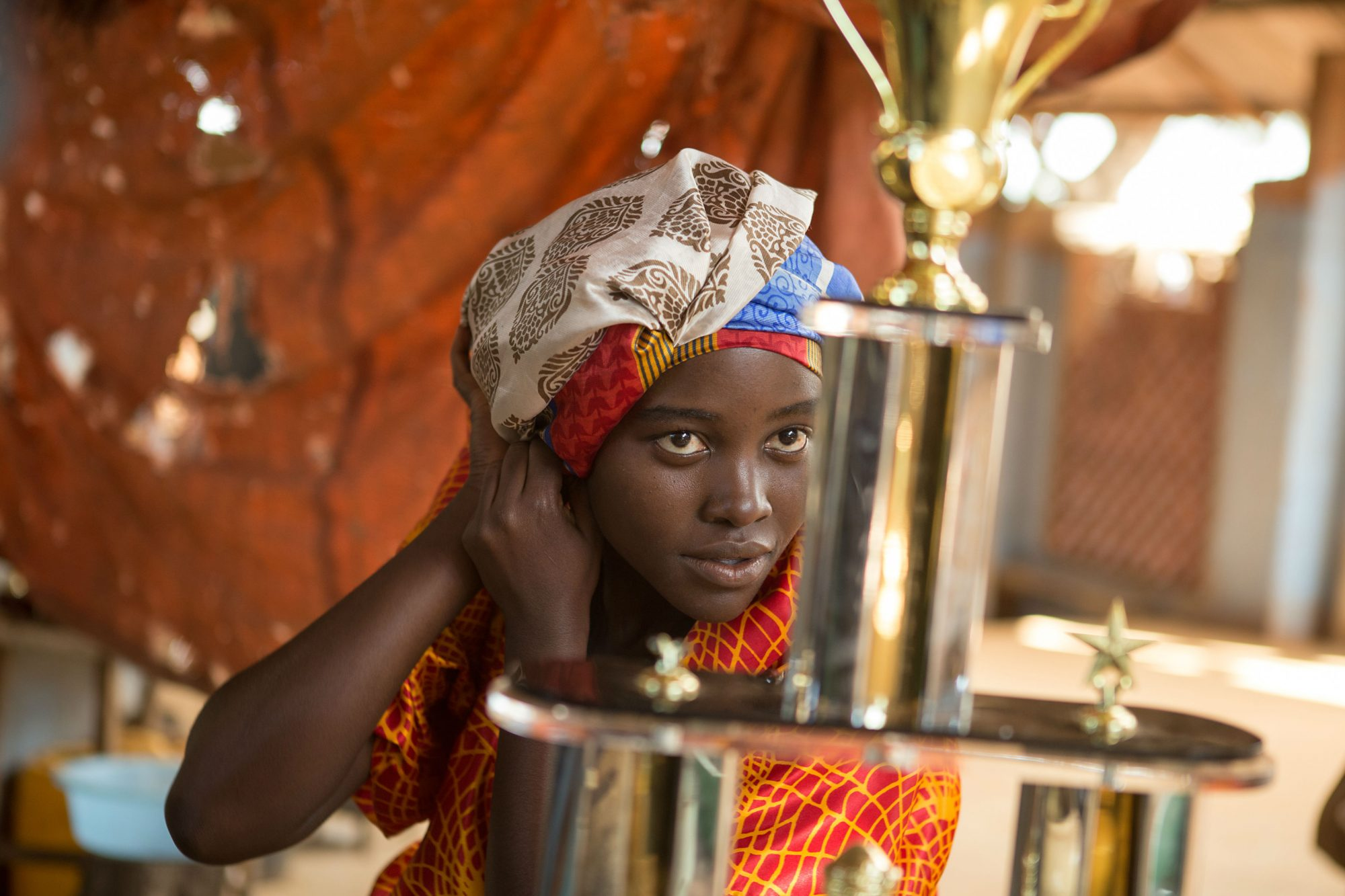 Queen-of-Katwe-Lupita-Nyongo-as-Harriet-Mutesi.jpg
