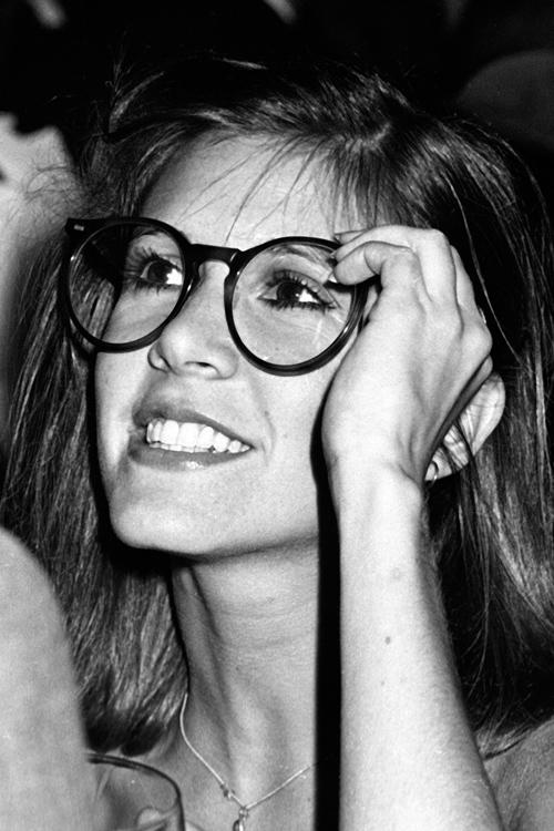 carrie-fisher-glasses.jpg