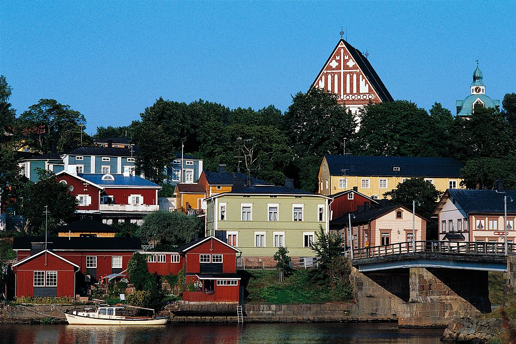 Glimpse of the town of Porvoo