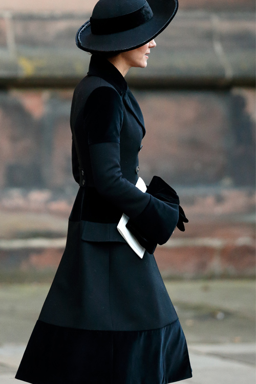 kate-middleton-black-coat.jpg