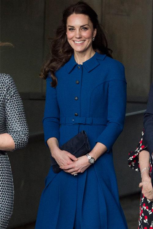 kate-middleton-dark-blue-coat.jpg