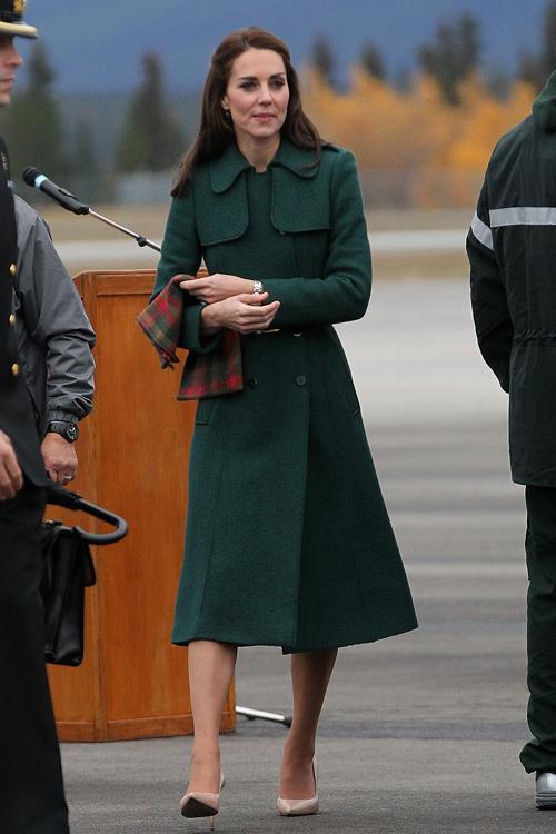 kate-middleton-green-coat.jpg