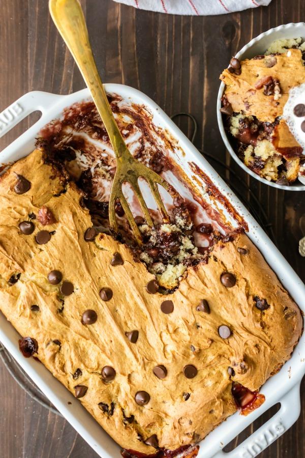 banana-split-dump-cake.4.jpg