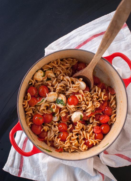 caprese-pasta-salad-recipe.jpg
