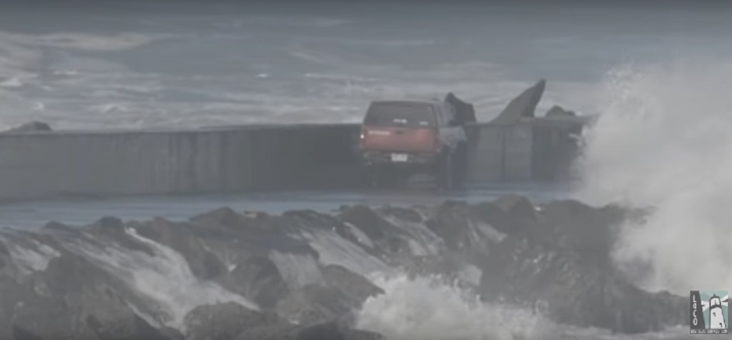guy-drives-on-california-jetty-amid-dangerous-waves