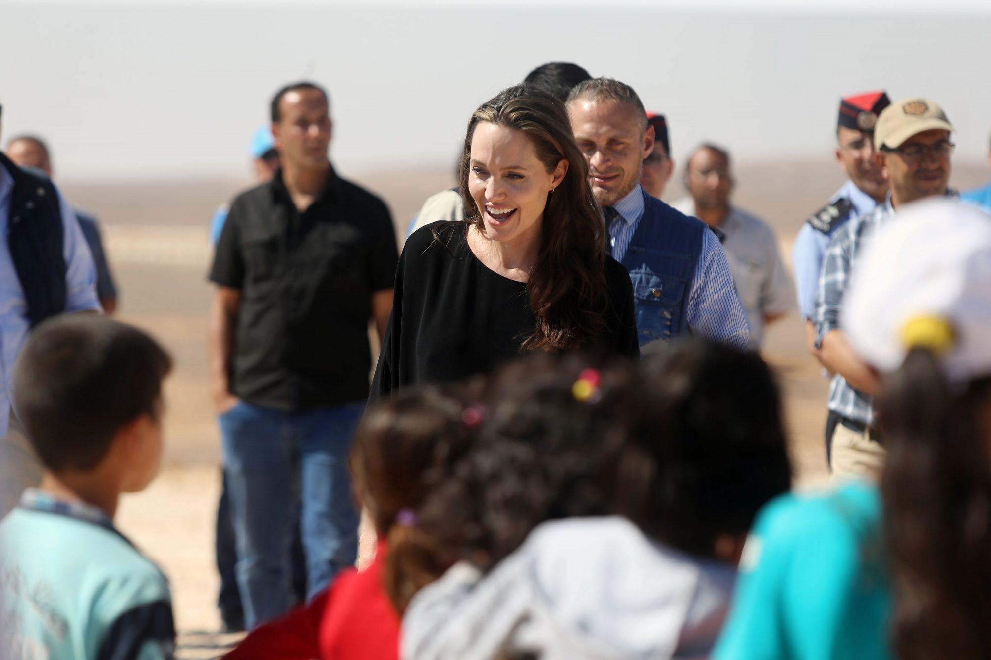 Angelina-Jolie-kids.jpg