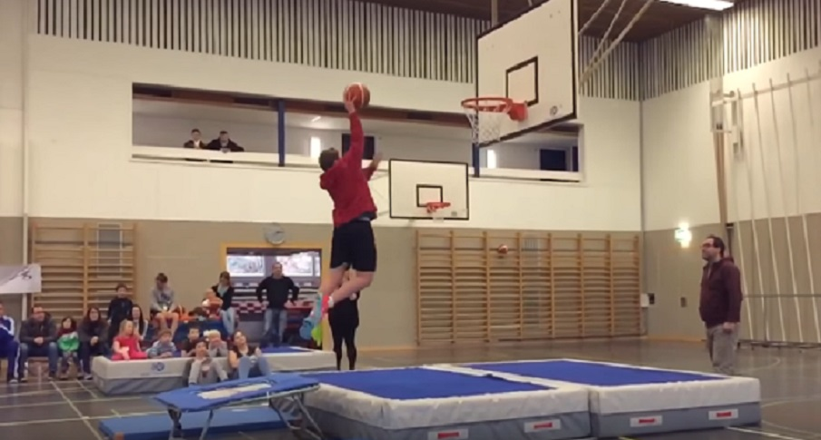 kids slam dunk trampoline