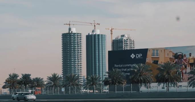 cranes-on-skyscraper.jpg