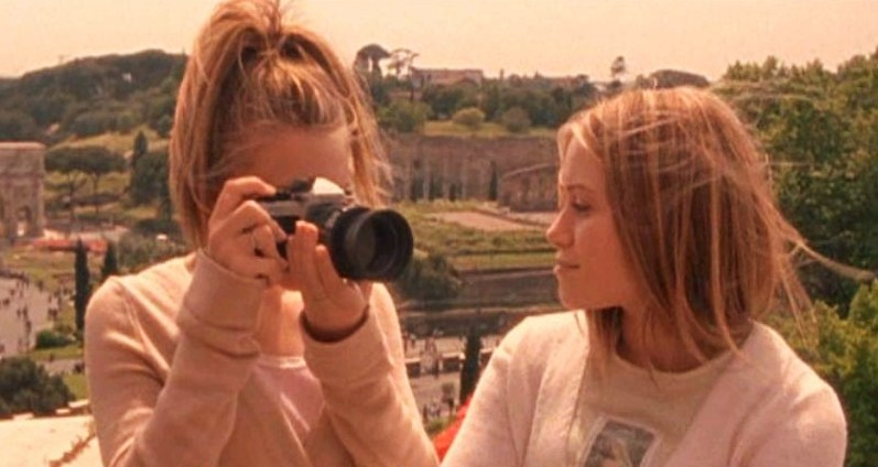 When-In-Rome-mary-kate-and-ashley-olsen-23986418-797-4242.jpg