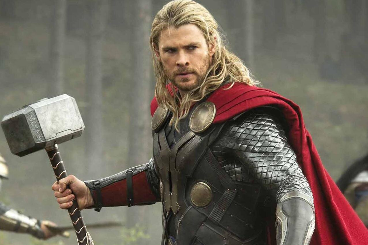 Thor Has A New Haircut In Ragnarok And Twitter Has A Lot Of Feelings About It Hellogiggles