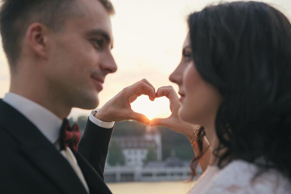 wedding heart hands