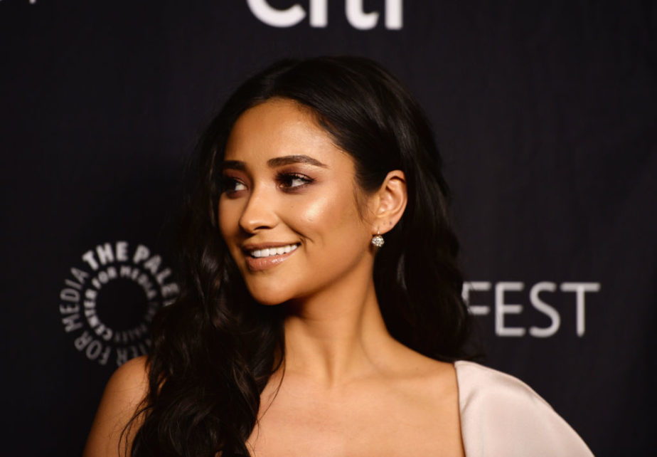 """The Paley Center For Media's 34th Annual PaleyFest Los Angeles - """"Pretty Little Liars"""" - Arrivals"""