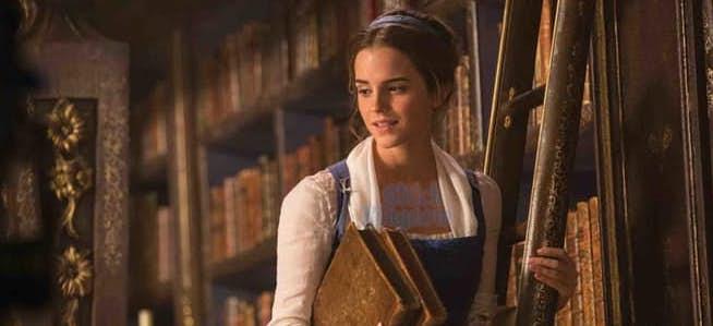 Emma-Watson-belle-library