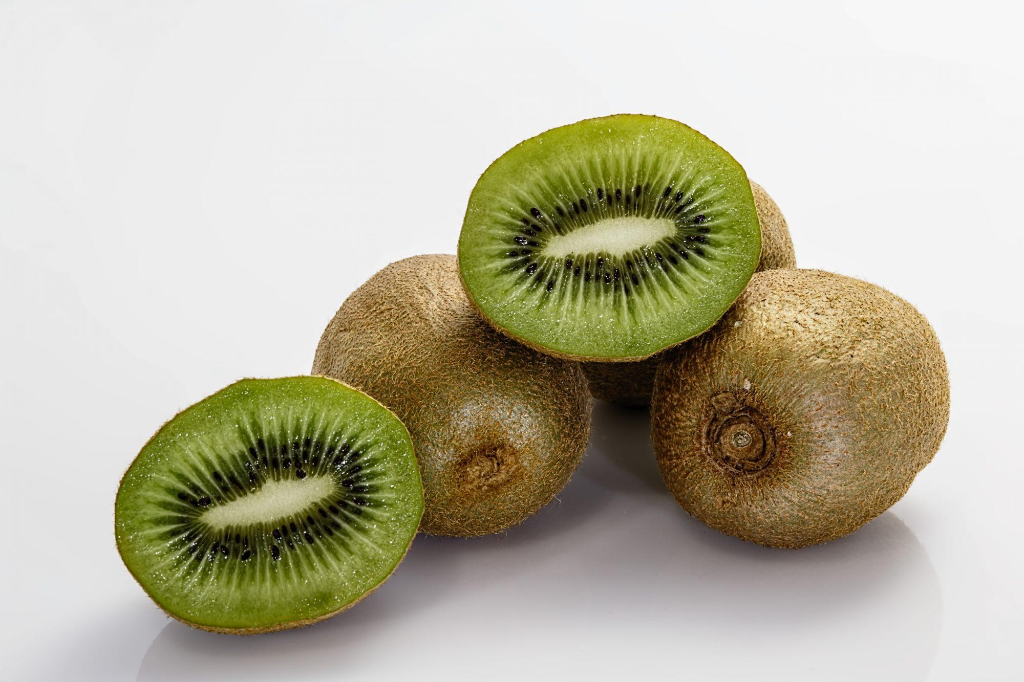 kiwifruit-fruit-kiwi-food-53426.jpeg