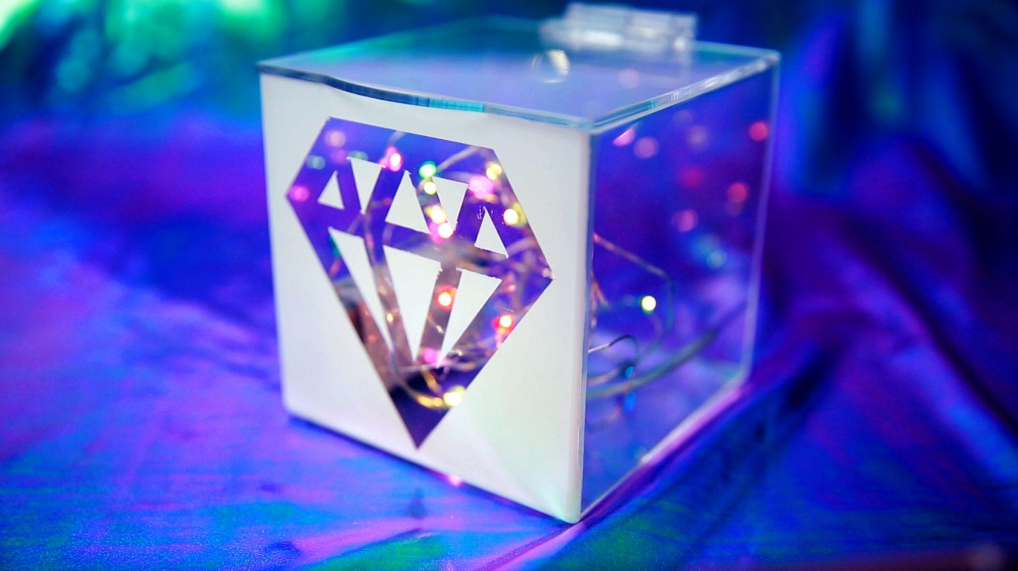 DIY Diamond Light Box