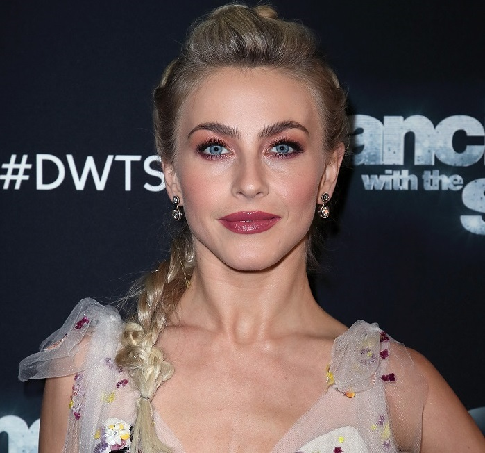 Julianne Hough attends Dancing with the Stars on May 15, 2017