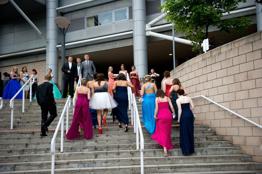 Image of prom goers