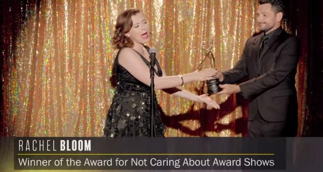 rachel-bloom-award-shows.jpg